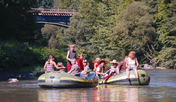 Fahrt mit dem Schlauchboot (Foto Fam. Engemann)
