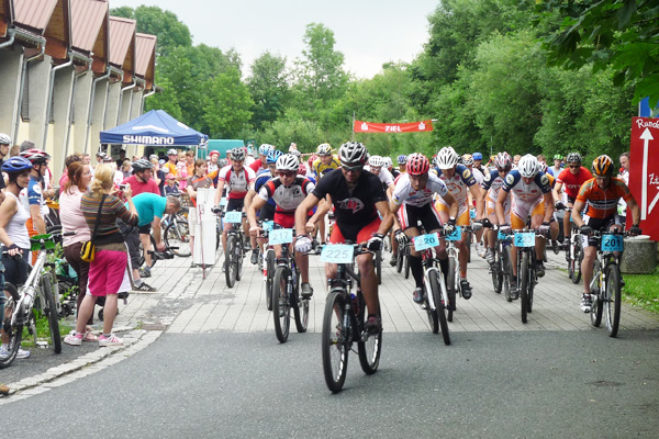 Start auf die 50 km (Foto: Katrin Sumpf)